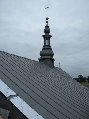 Zdjęcia z koncowej części remontu dachu kościoła